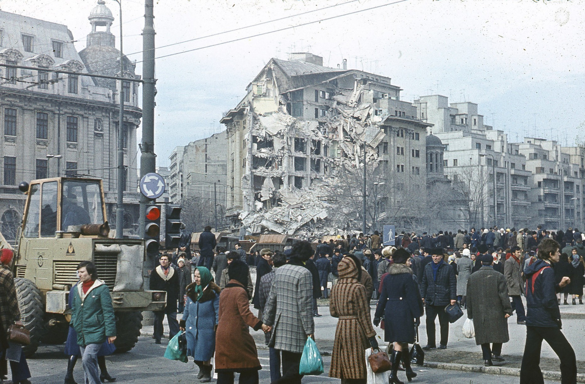 Can there be a bigger tragedy than Colectiv? Unfortunately, yes. An earthquake in Bucharest. In the middle of the night…